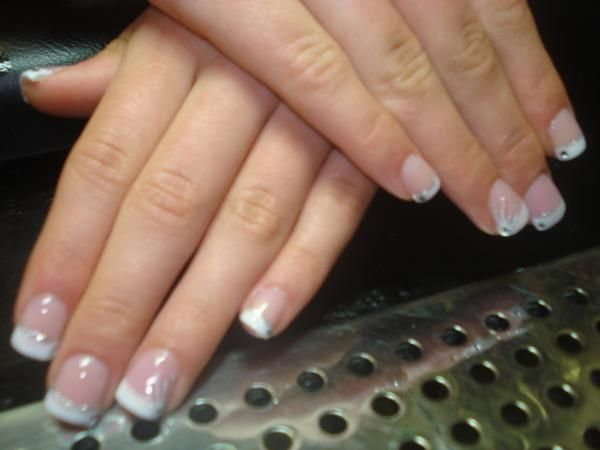 Am I Allergic To Acrylic Nails Acrylic Nails Are Safe Some People May Have An Allergic Reaction To The Componen Manicure And Pedicure Gel Nails Acrylic Nails