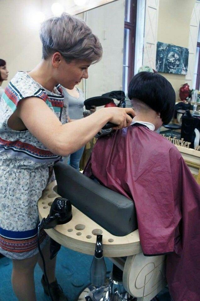 Nacken Frei Und Sauber Styling Kurzes Haar Haarschnitt Kurz Kurze Haare Bob