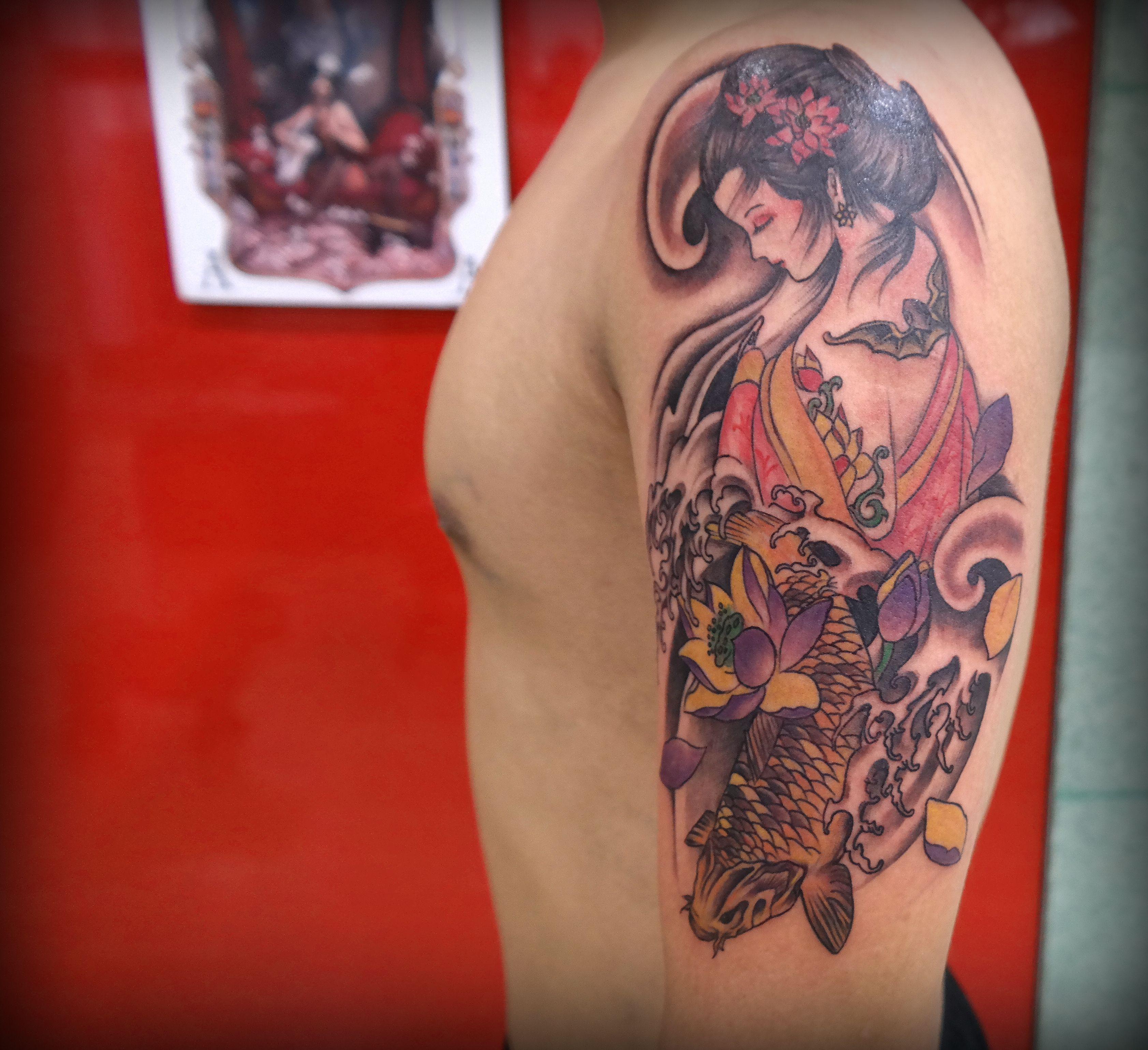 Tattoo , Moon tattoo , Woman  Tattooist , Seoul , Korea