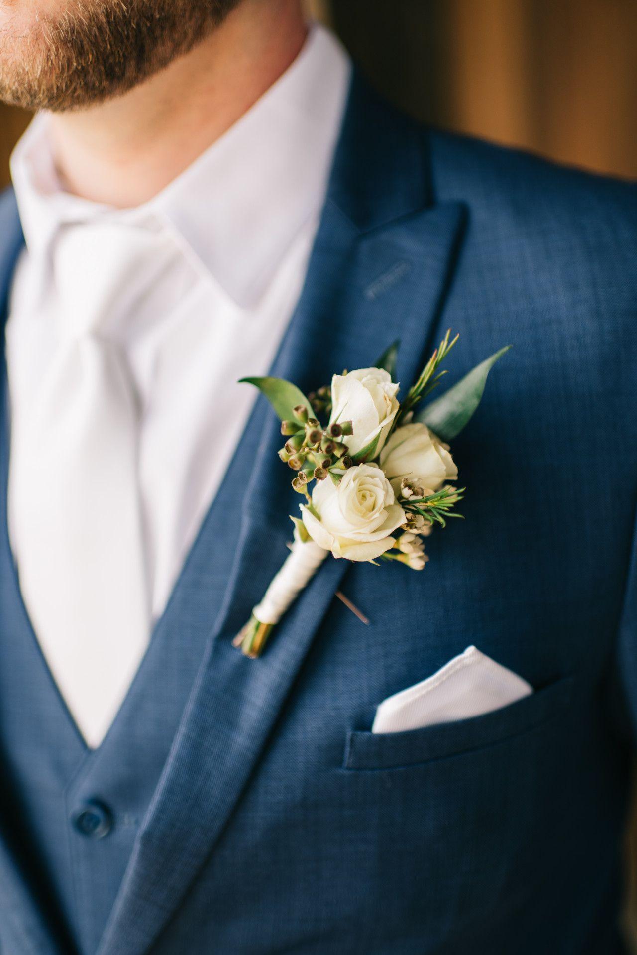 Ivory Groom S Boutonniere White Summer Wedding Flowers