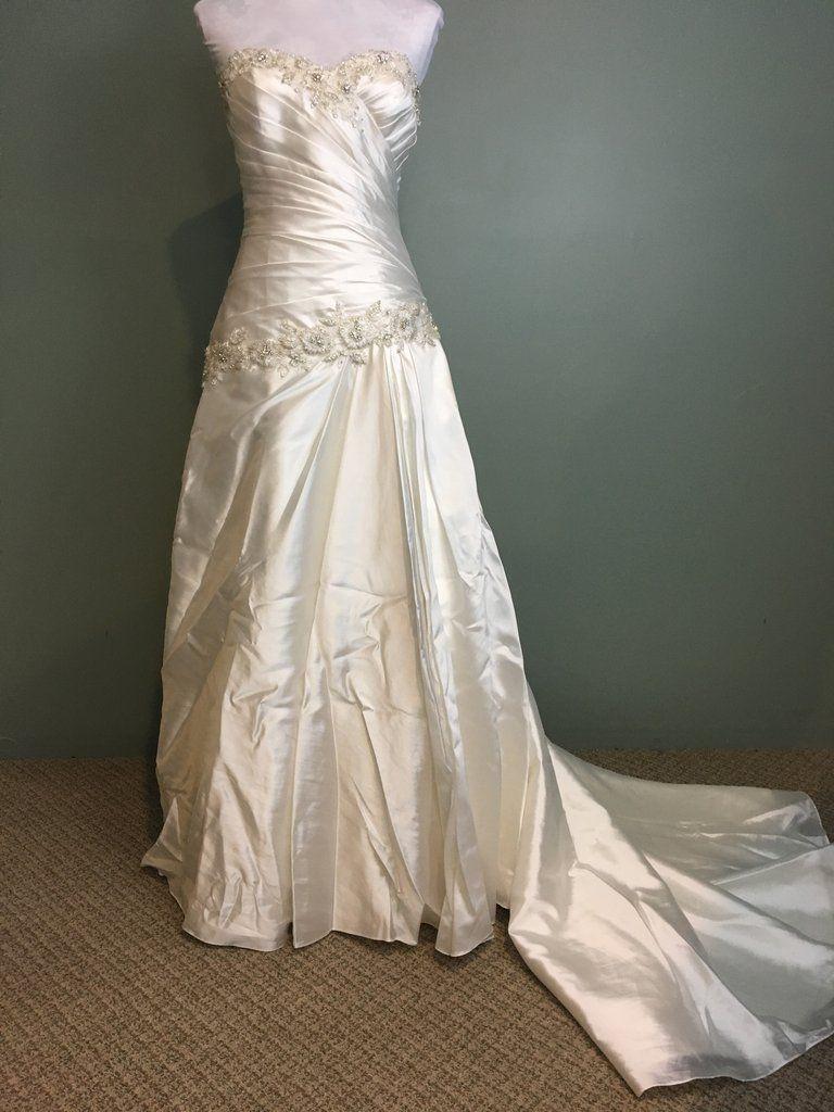 Pnina Tornai 'Perla D'   Princess ball gowns, Pnina tornai wedding ...