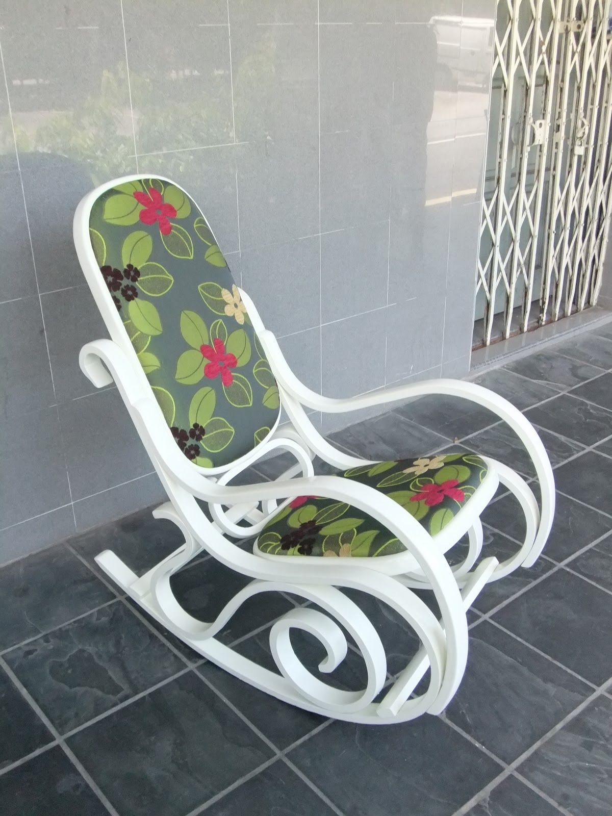 Bentwood rocking chair makeover - Paint And Reupholster Our Bentwood Rocker To Fit The Living Room