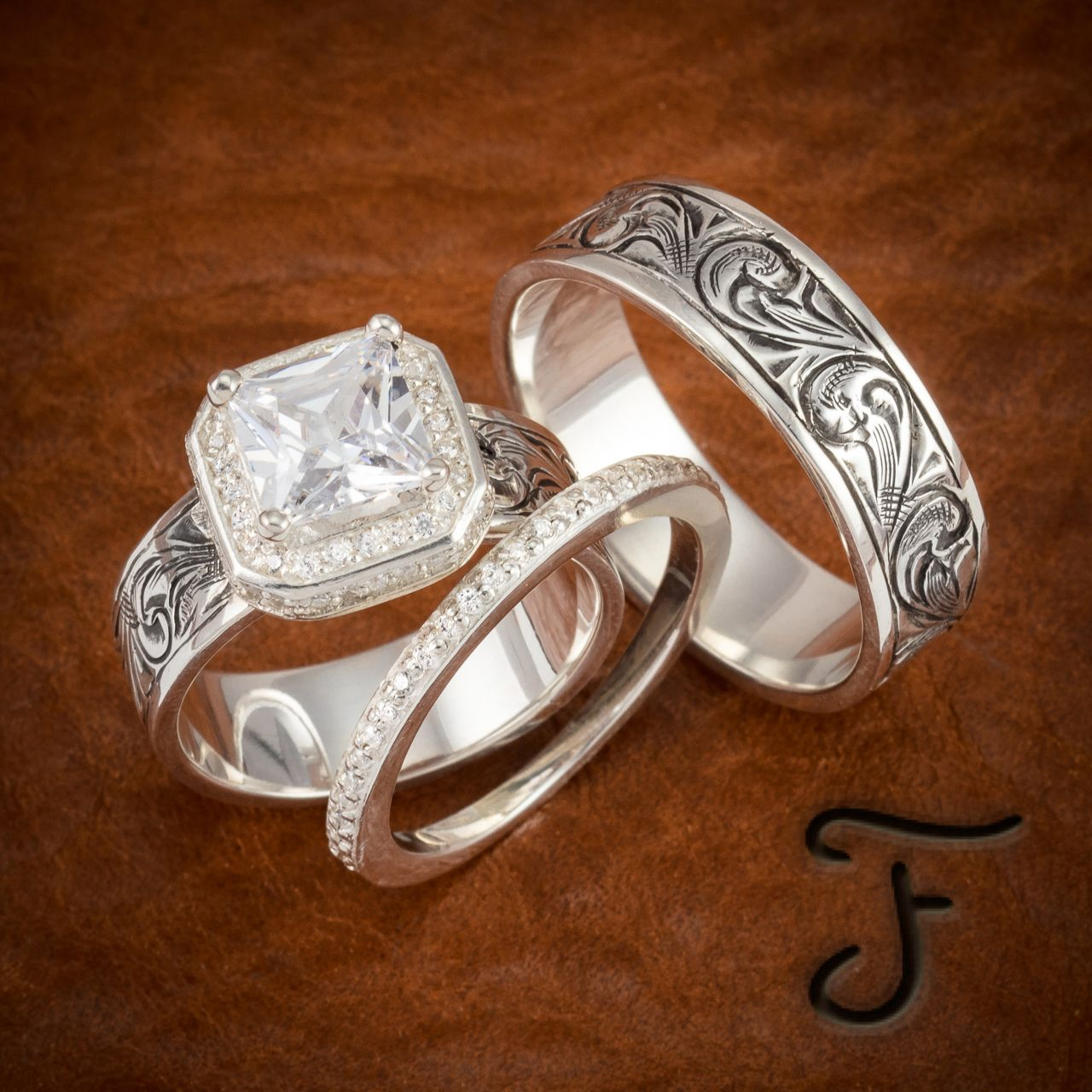 The Right Western Wedding Bands Will Suit Both You And Your Partner S Styles Making You Fee Western Wedding Rings Western Wedding Bands Matching Wedding Rings