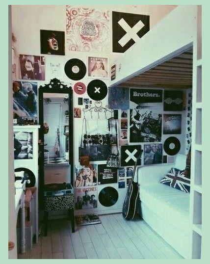 15 Tiny Bedrooms To Inspire You | Dorm Room Wall Decor | Dorm Room Ideas For Guys | Home Stor... #dormroomideasforguys