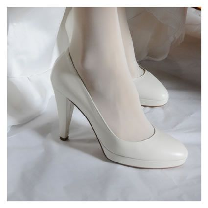 who wants to be comfortable needs chunky heel, not so high and soft leather shoes