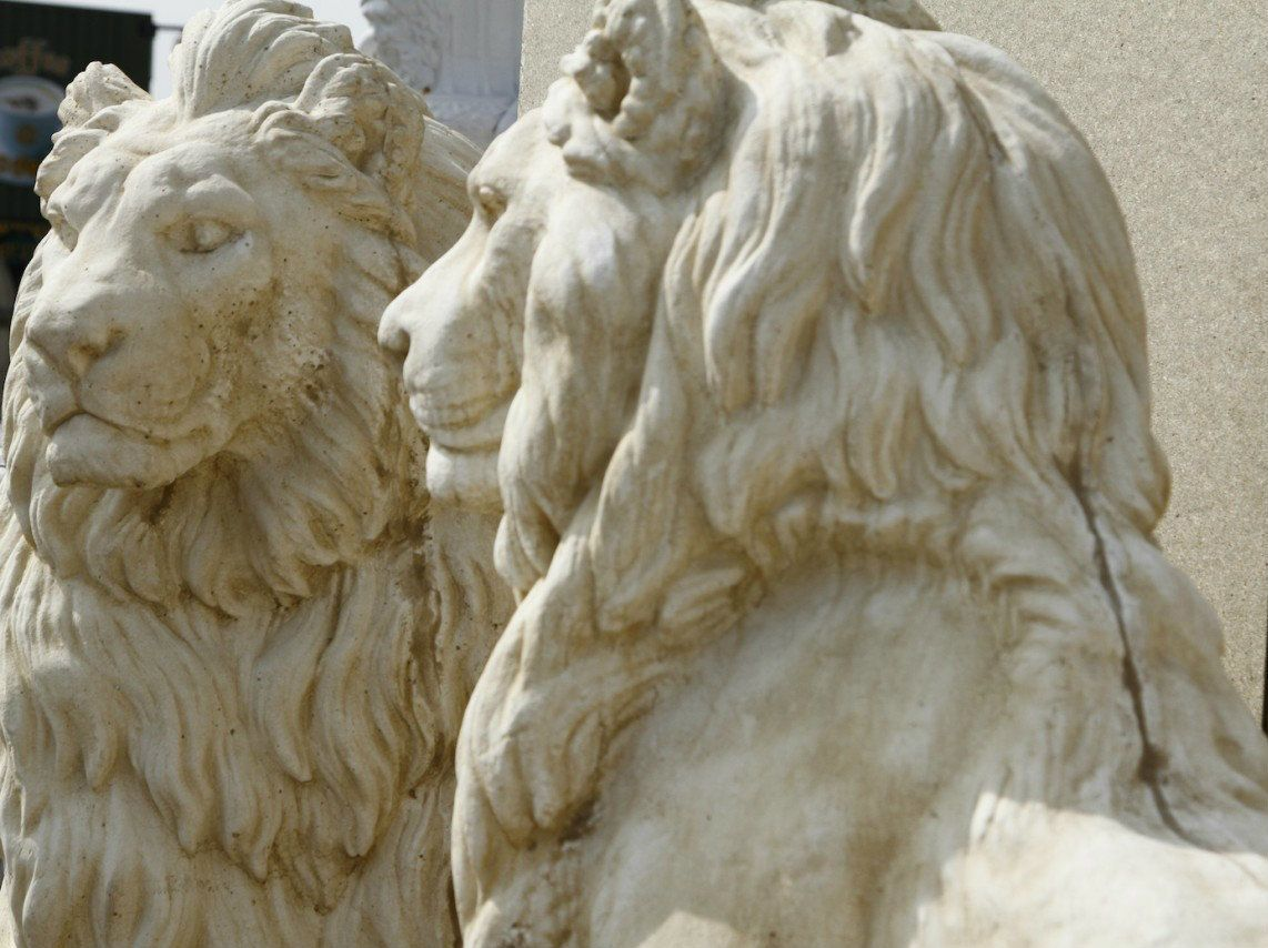 Pair Of Giant Stone Cast Very Heavy Lions 1 35 Metres High
