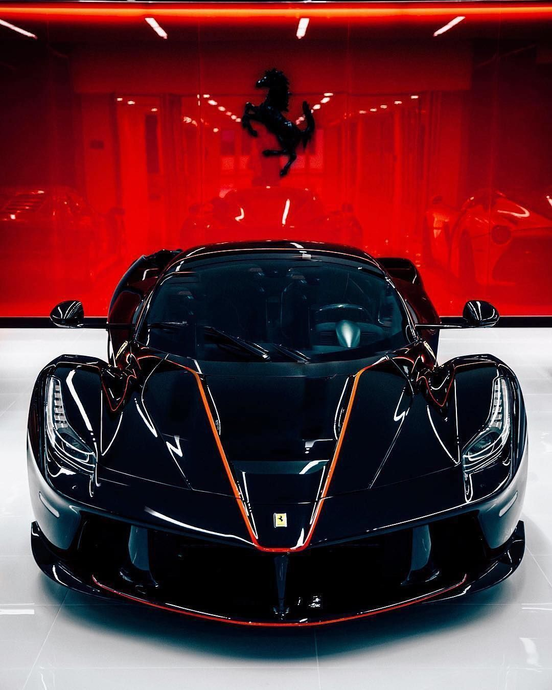 The Amazing Laferrari Hybrid Supercar Cool Sports Cars La Ferrari Best Luxury Cars