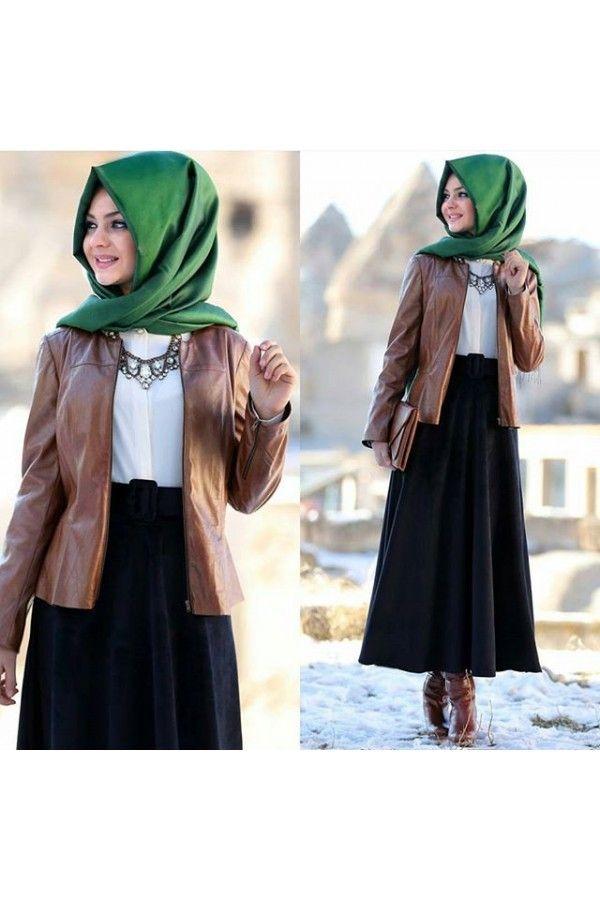8096aeb138d90 Pınar Şems Deri Ceket Kombinleri Islami Moda, Ofis Kıyafetleri, Başörtüsü  Modası, Stil