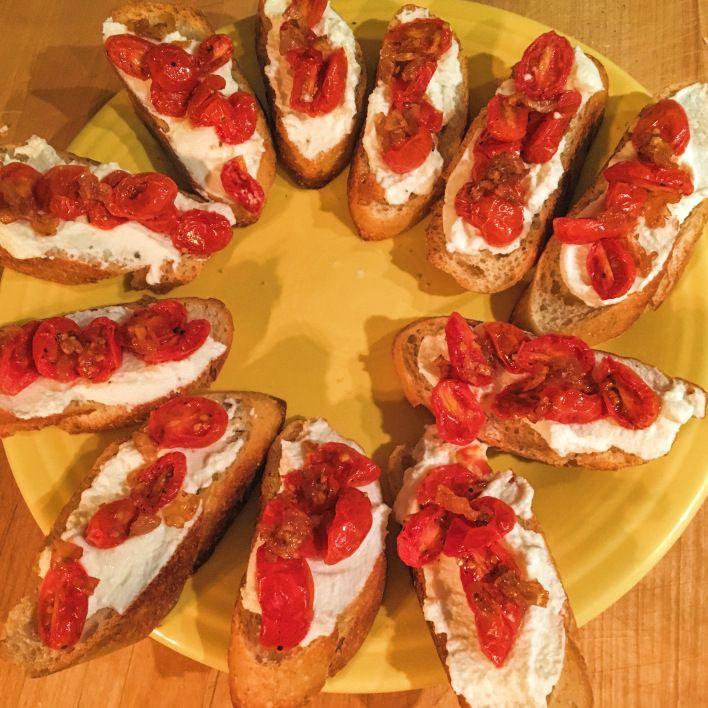 ricotta and tomato crostini easy #superbowl or #oscars #appetizer #app
