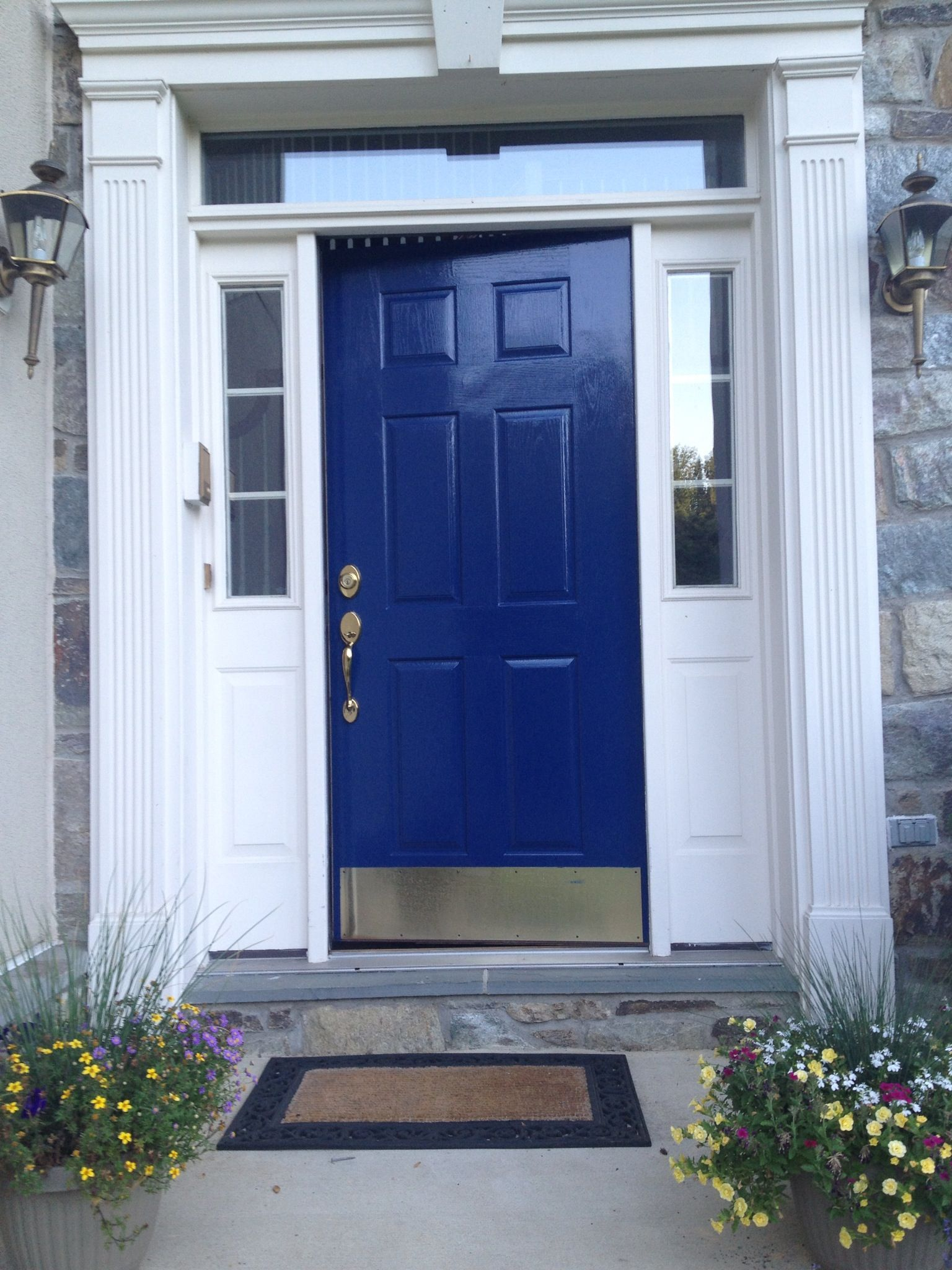 Used Glidden Trim And Door It S A Gel Flow Technology Paint Left No Brush Marks Is Super Glossy Took About Nine Hours For Two Coats