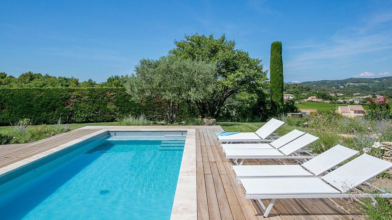 Piscine 11 x 3 5 m rev tement gris clair escalier plage et - Revetement piscine pierre naturelle ...