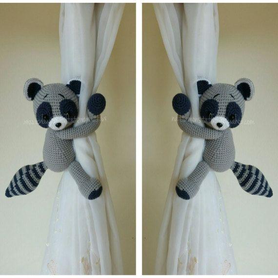 Un Par De Raccoon Crochet Cortina Corbata Hacia Atras Cropelon De