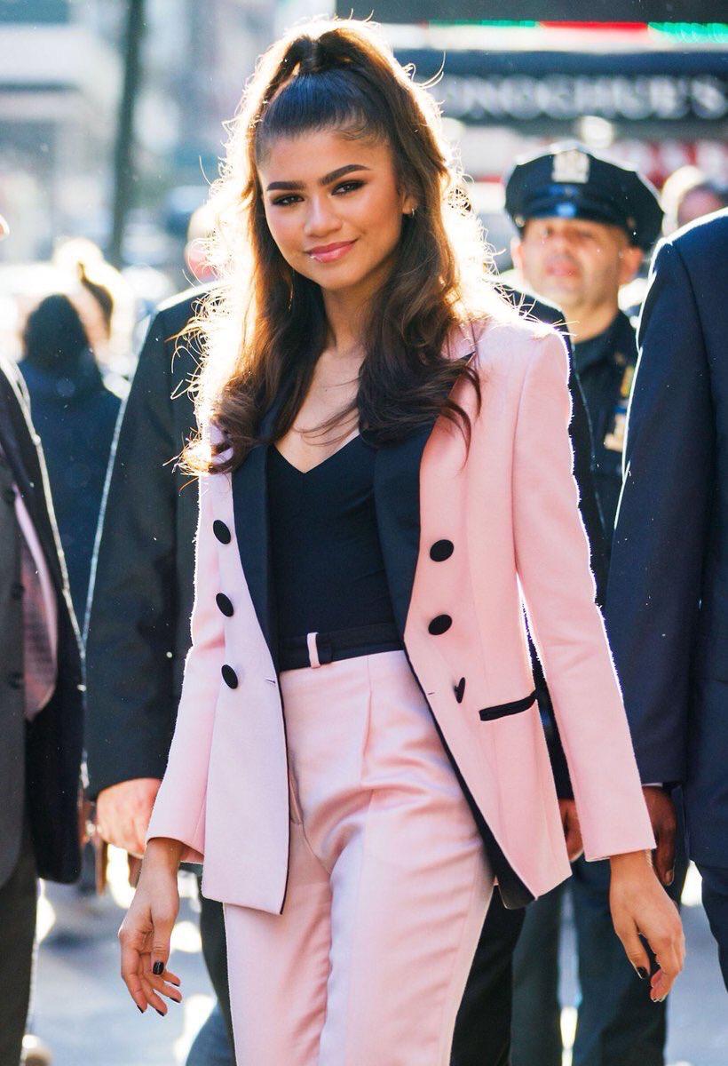 Zendaya pink suit and half up hair  Zendaya outfits Zendaya style Classy  outfits