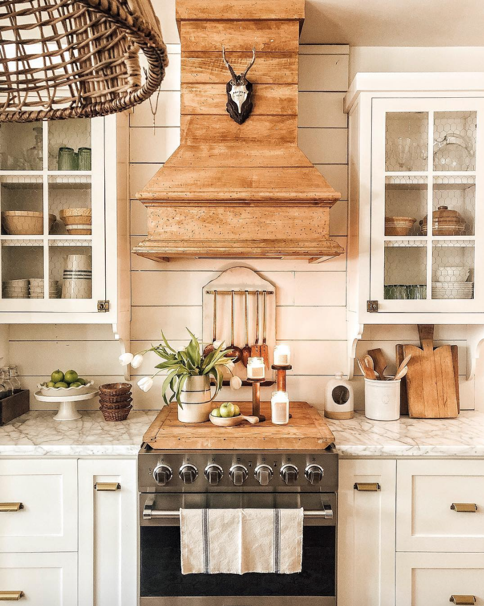 Rustic Country Style Farmhouse Kitchen With Modern Prim Vibes Kitchen Decorating Idea By Wh Farmhouse Kitchen Interior Rustic Kitchen Cabinets Rustic Kitchen