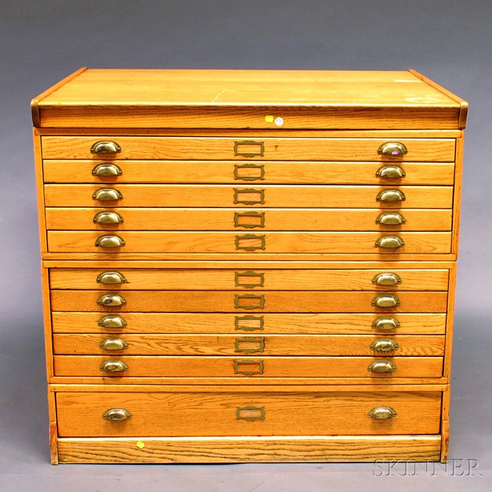 Oak Eleven Drawer File Cabinet 20th Century With Ten Shallow Long Drawers Above One Deep Ht 41 5 W 45 D 35 H 738
