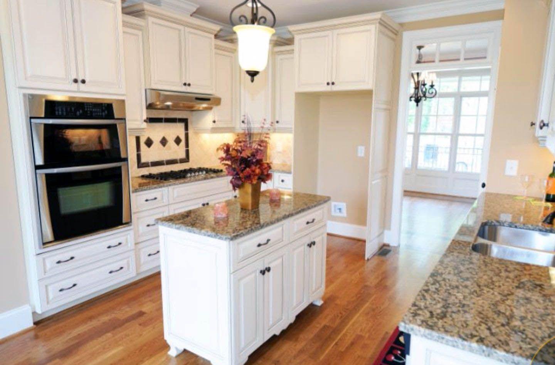 Best Stylish Ways To Decorate Kitchen Cabinet Refacing 400 x 300