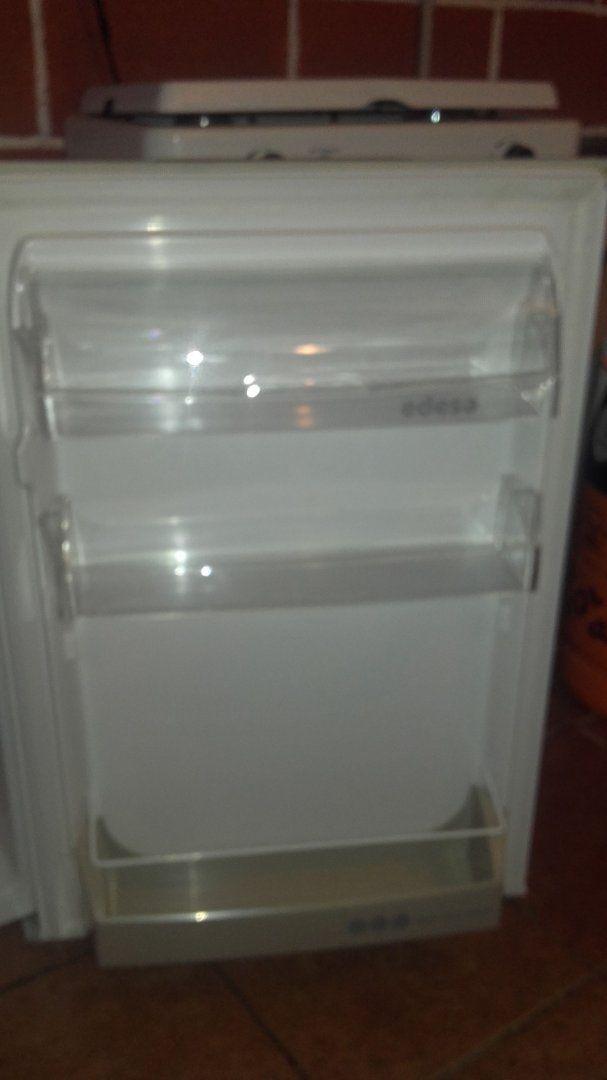 80,00€ · Frigorifico-congelador · Medidas:  Alto: 85 cm Ancho: 53,5 cm Fondo: 54 cm · Hogar y jardín > Electrodomésticos > Gran electrodoméstico > Frigoríficos y congeladores > Frigoríficos
