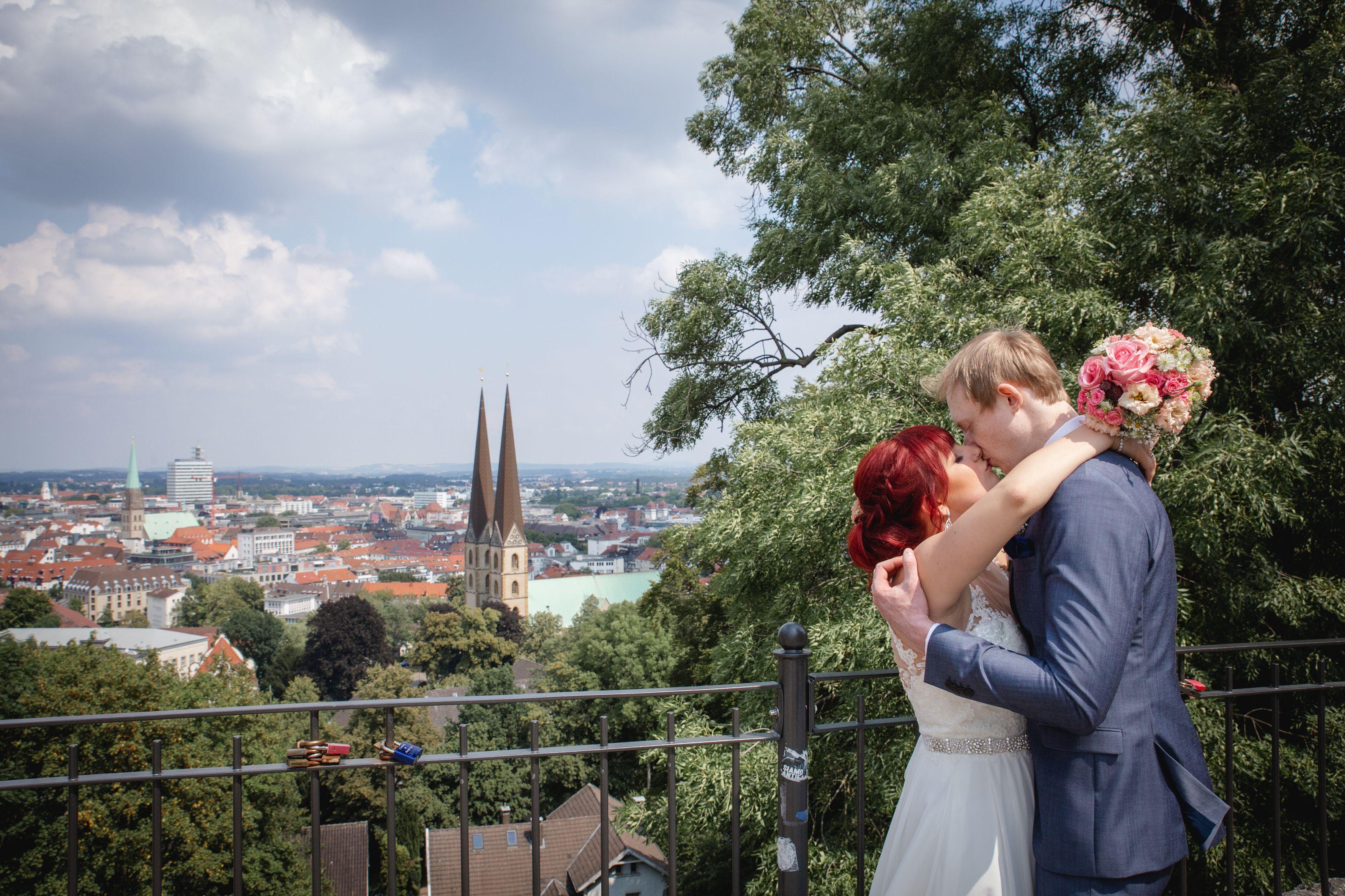 Heiraten Mit Blick Uber Bielefeld Hochzeit Heiraten Blumen