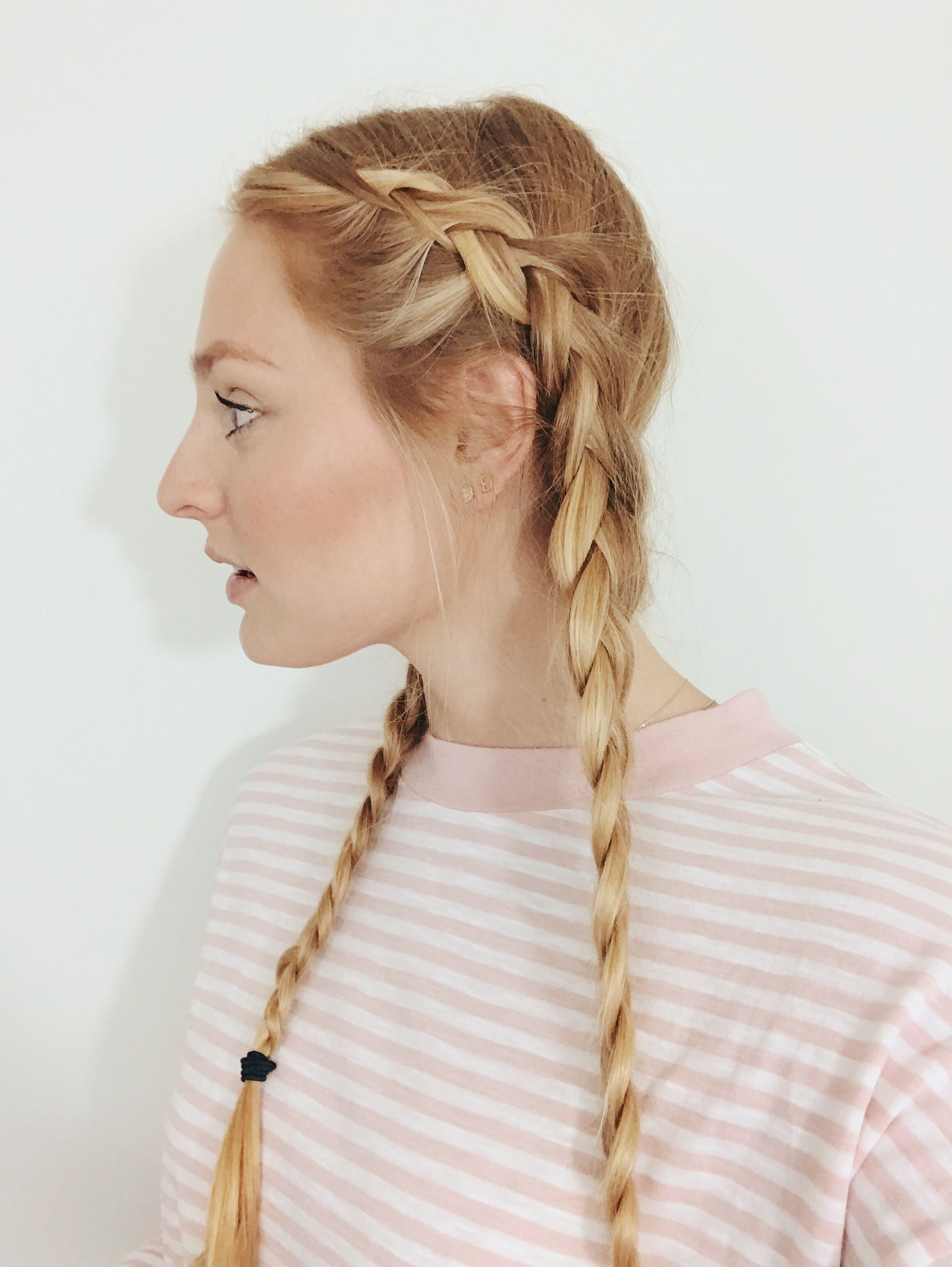 Really Easy Hairstyle Ideas That Can Instantly Spruce Up Your Look They Seriously Take Under Five Minutes To Hair Styles Easy Hairstyles Second Day Hairstyles