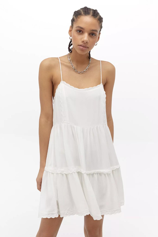 Uo Hanna Tiered Mini Dress Mini Dress Urban Dresses Rainy Day Dress Outfit [ 1500 x 1000 Pixel ]
