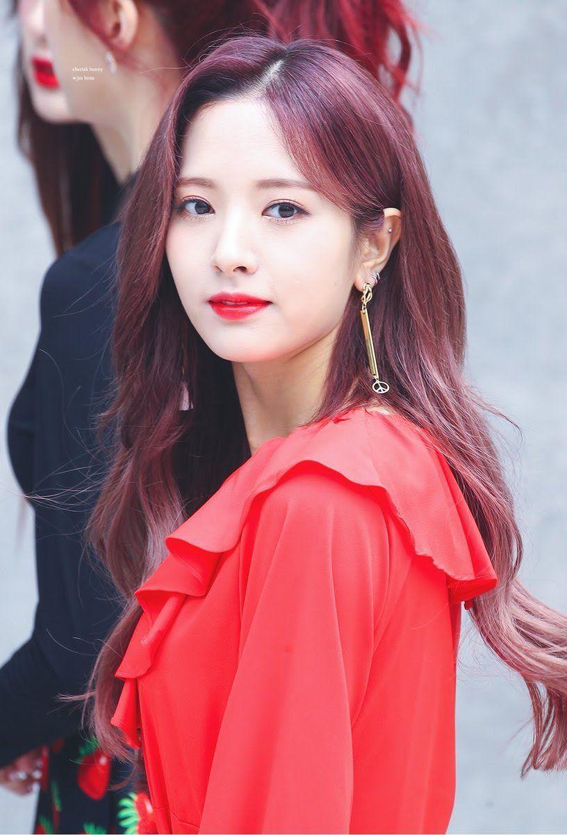 7 Idols That Prove Girls From Daegu Are Ridiculously Beautiful Koreaboo Cosmic Girls Girl Kpop Girls