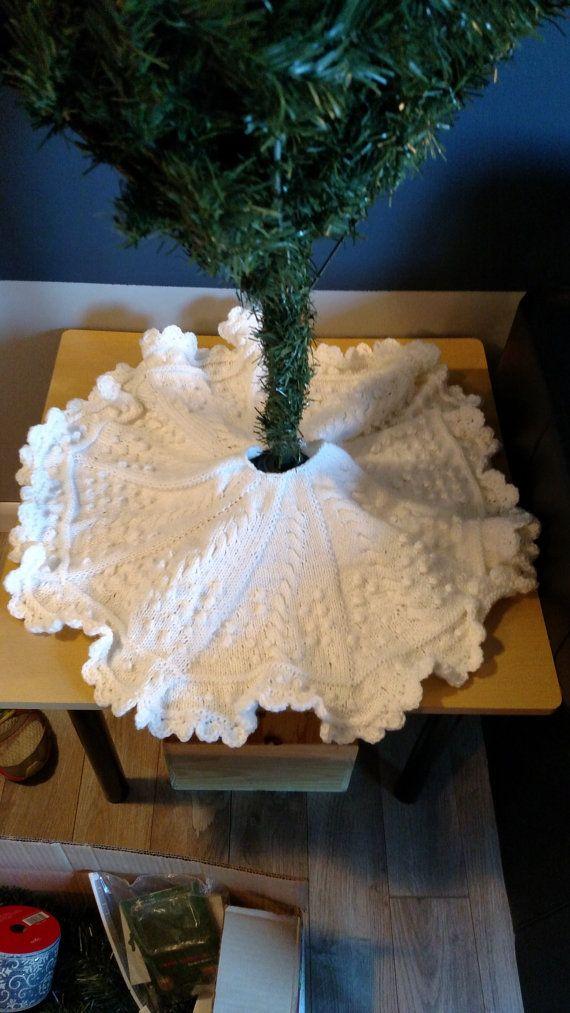 Christmas Tree Skirt Knitting Pattern!   Christmas ...