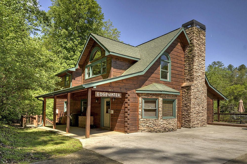 Edgewater Is A Large Group Georgia Cabin Rental Located On A Large