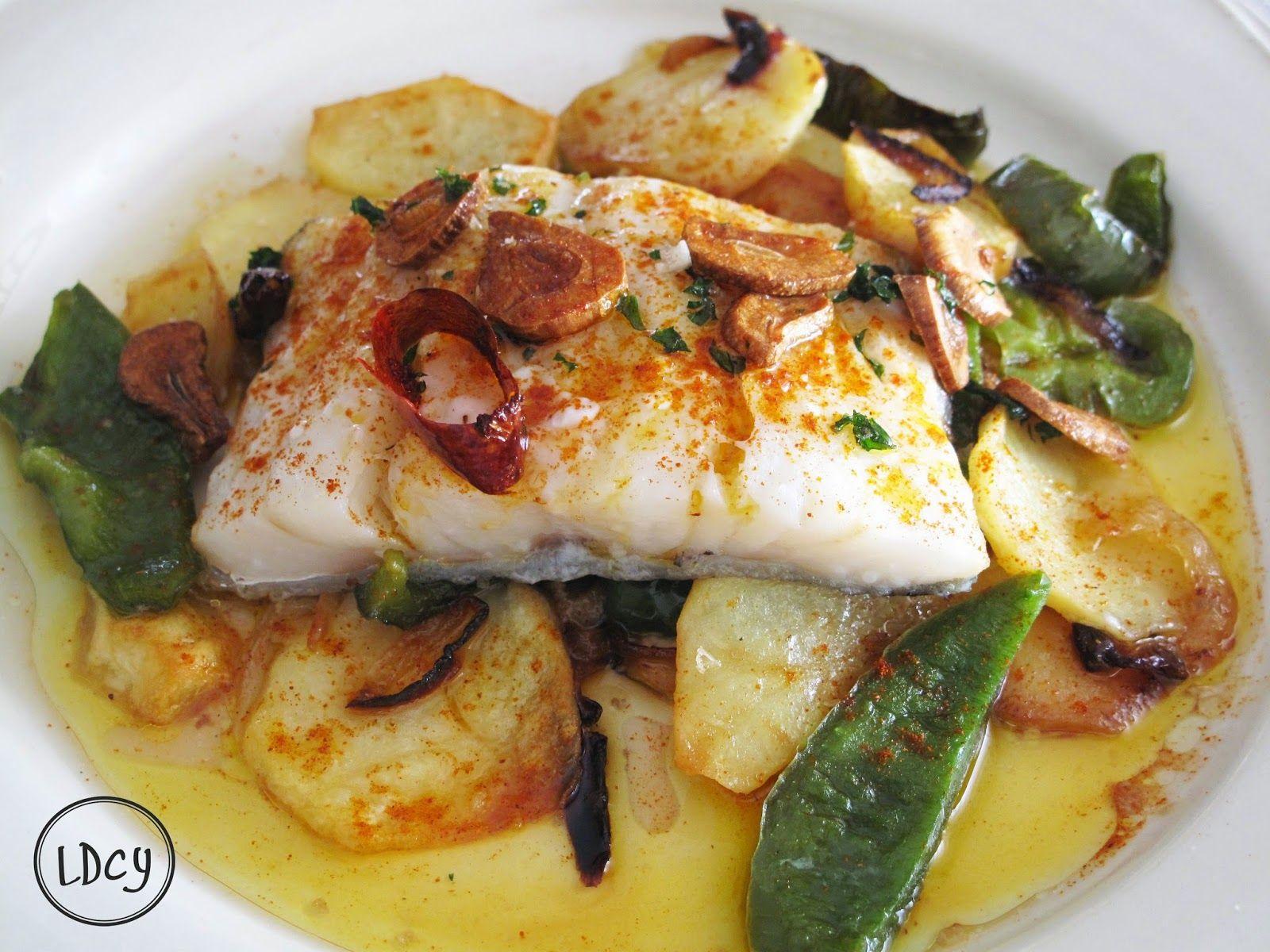 Bacalao al horno con patatas cebolla y pimientos verdes - Bacalao con garbanzos y patatas ...
