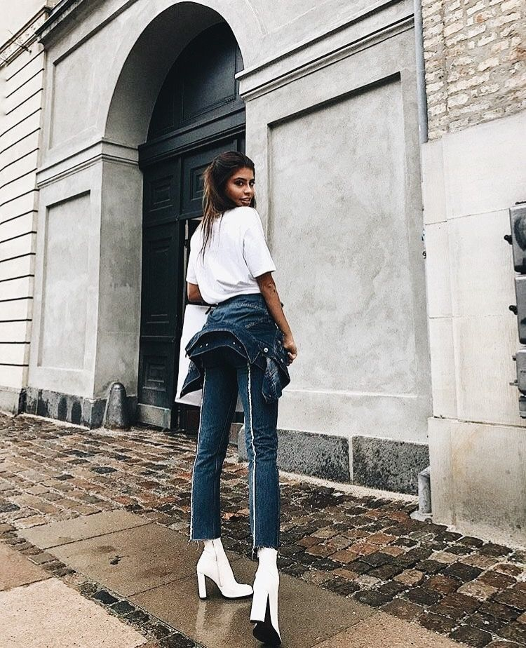 Basic white tee + pin stripe denim jeans with frayed edges + white ankle  boots.  fashion street wear . 550b0614e7f5d