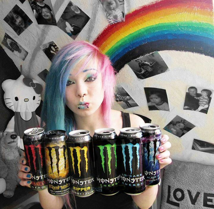 Emo girl | Blue and pink hair, Monster energy, Scene hair