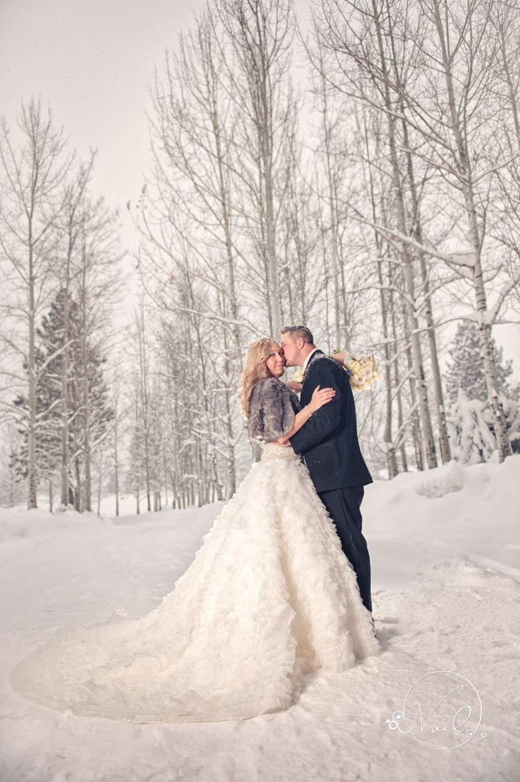 Bend, Oregon Wedding photography, Broken Top Club, Winter wedding ...