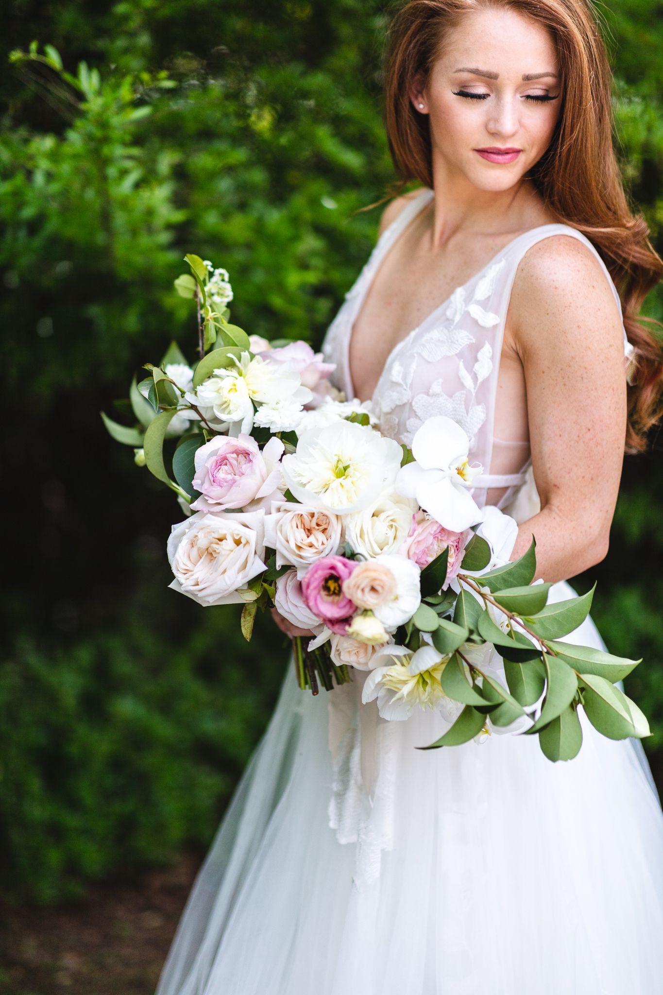 Lizzie bee flower shoppe bridal bouquet Dallas Texas