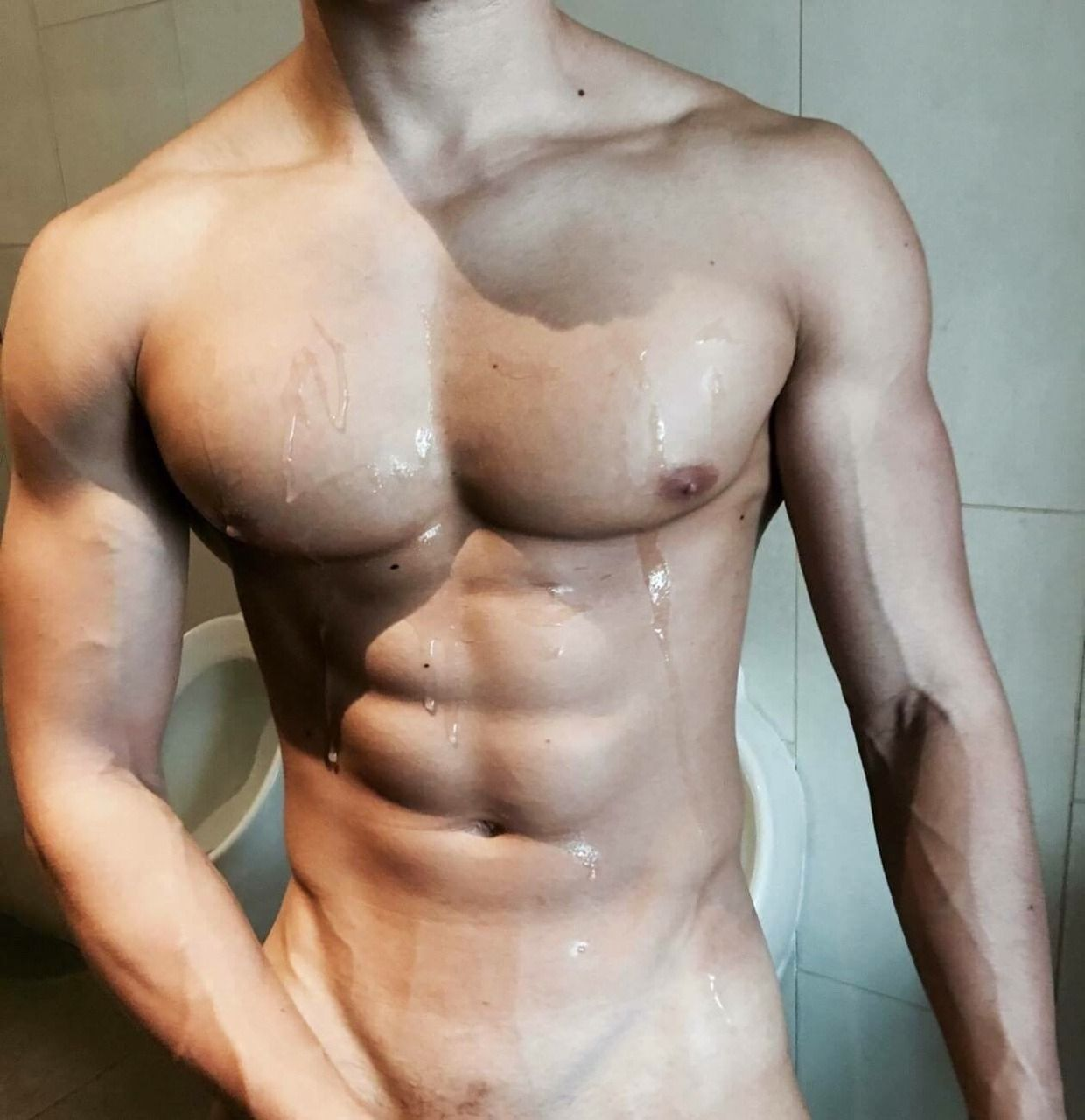 muscular hunks jizz on sixpacks