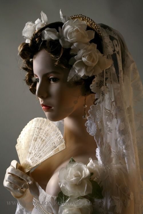 Wedding dress, veil and fan ca. 1805  From Napoleon & the Empire of Fashion