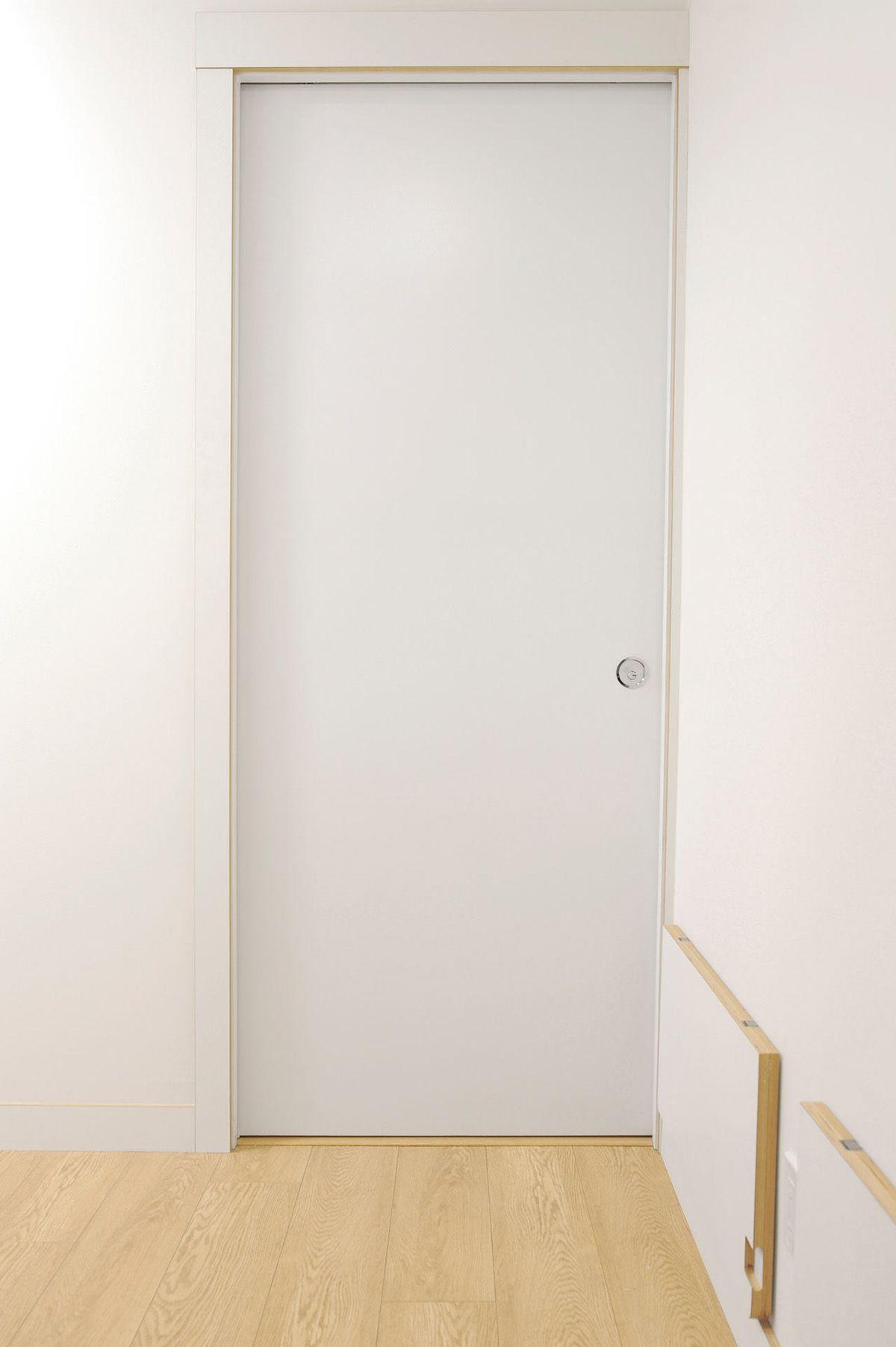 Three Cozy Apartments That Maximize A Small Space Small Room Design Small Apartment Interior Small Studio Apartment Design