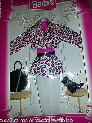 Fashion avenue clothes store 74