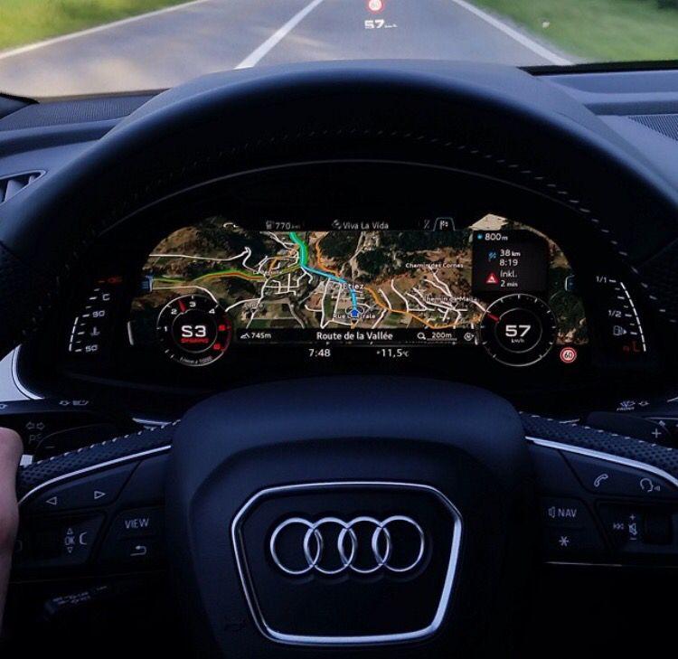 Audi Q3 Tfsi Quattro Sport Suv Estate: The Dashboard Of The New Audi Q7 • Photo By Audi • Visit