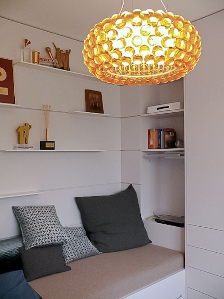 Berliner Penthouse- Wohnung Arbeitszimmer mit Lesenische, Einbauschränke und Steckregale  Carboche Lampe harryclark colour4design.de