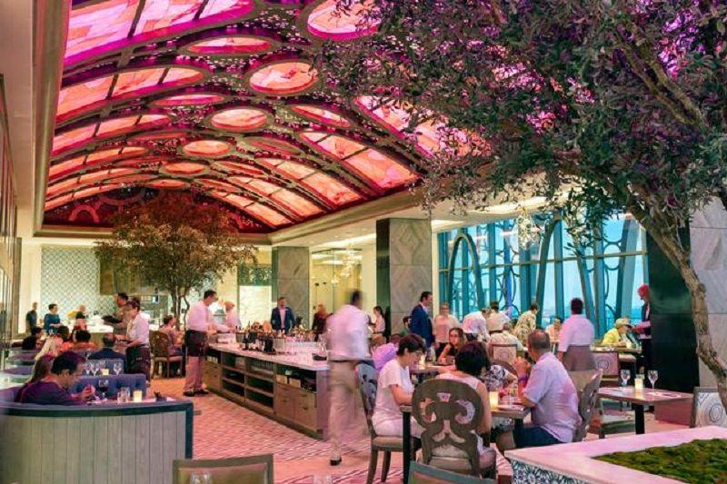 Restaurante Toledo de Tapas, Steak & Seafood na Disney