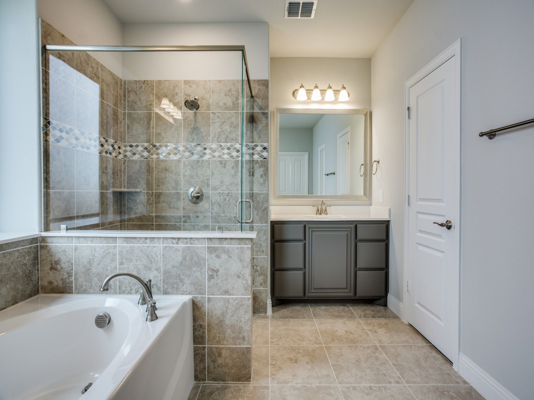 Bath And Shower Lovers Unite Bloomfield Homes New Homes New Homes For Sale