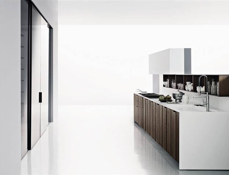 Boffi cucine. Mi piace il contrasto del total white con i pannelli ...