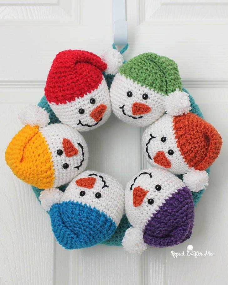 Circle Of Snowmen Crochet Wreath Kerst Pinterest Haken Kerst