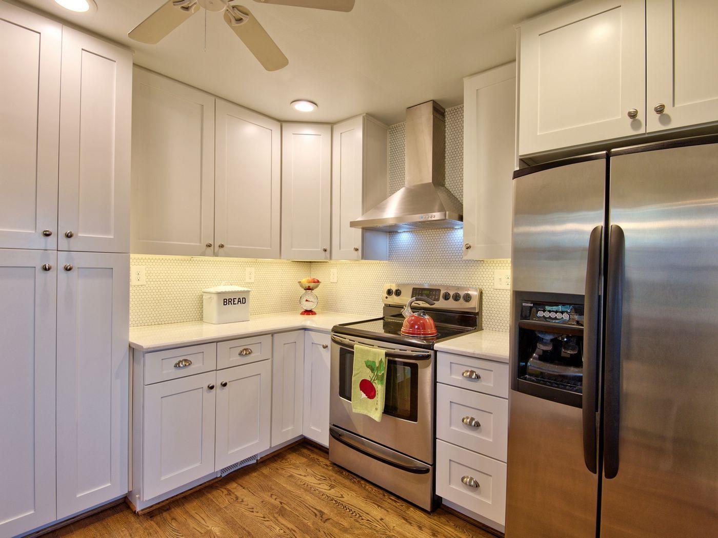 1908 Glendale Avenue Durham Nc 27701 Listreports Kitchen Countertops Kitchen Cabinets Kitchen