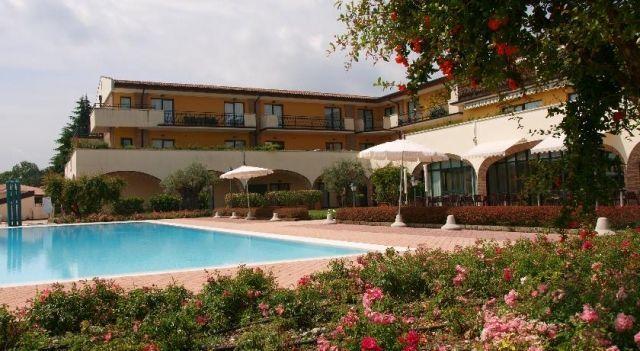 Residence Hotel Le Terrazze Sul Lago - 4 Star #Villas - $90 ...