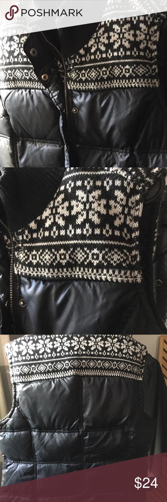 Tommy Hilfiger down style Vest Beautiful Tommy Hilfiger down style vest size:L Tommy Hilfiger Jackets & Coats Vests