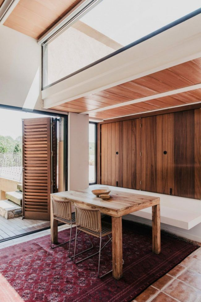 Kuche Gestalten Rustikal Esstisch Holz Fensterladen Grosse Fenster