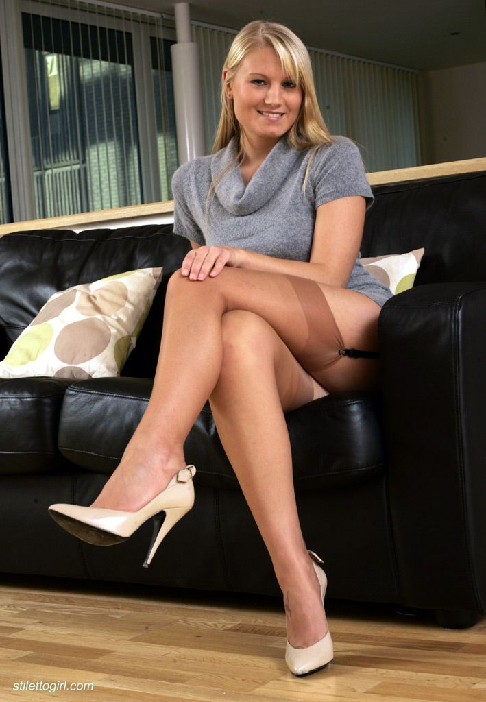 Beine In Nylons