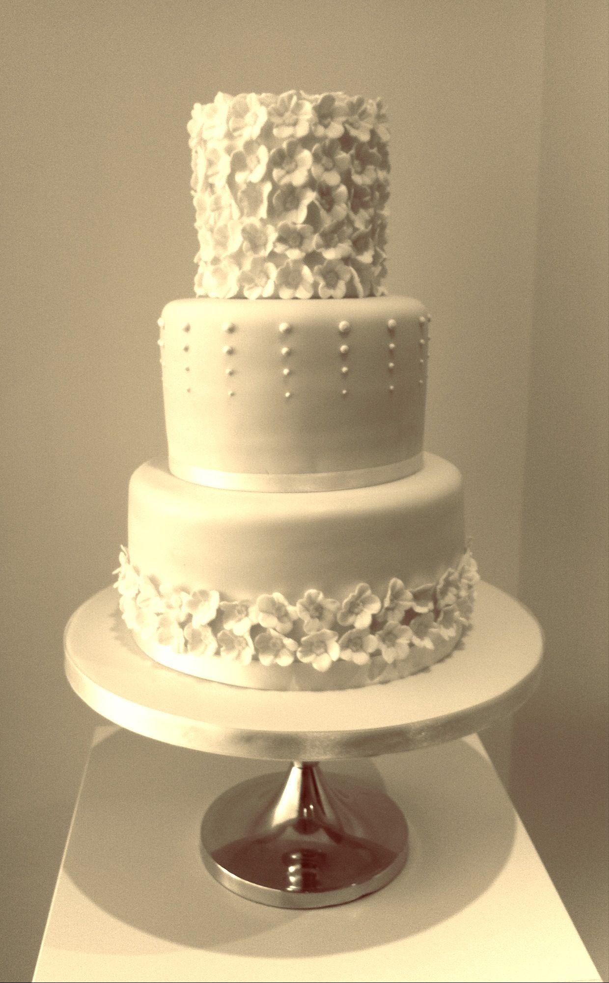 S Wedding Cake
