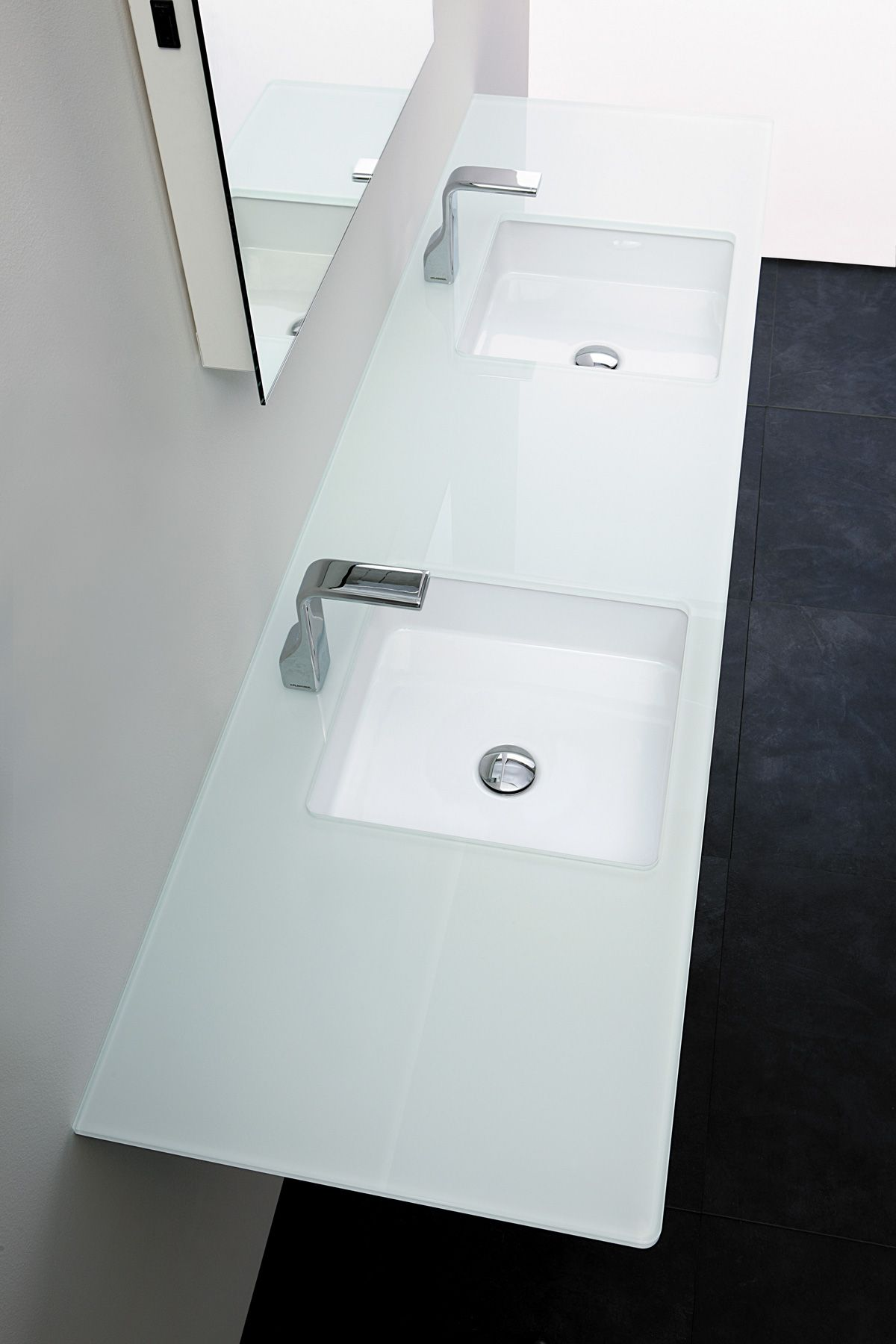 Flaminia Miniwash Fly | arredo bagno | Pinterest | Tops, Products ... - Miniwash is a new collection of basins, bench and wall hung. The rounded  corners lighten the square or rectangular shape of these basins, giving  them an.