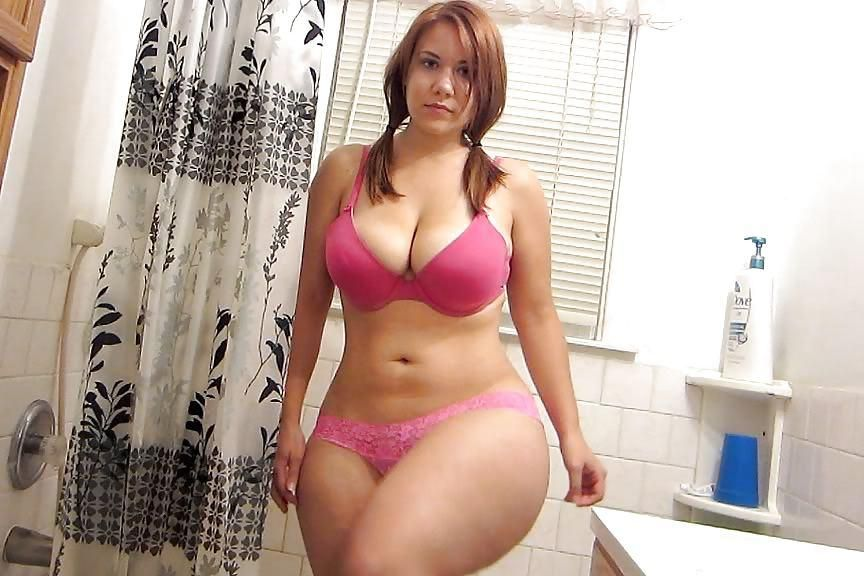 wearing-knickers-two-sexy-chubby-girl-naked-carrera